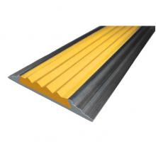 Алюминиевый порог с резиновой вставкой